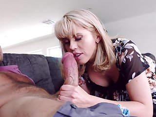 After oral sex Amber Chase is obtainable to encircling a friend's hard shaft