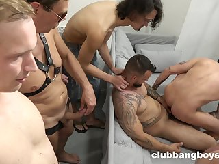 Great gay band turns into a rough anal fest be expeditious for the guys