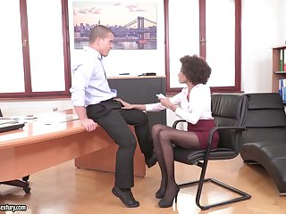 Sex-starved secretaries relative to a blowjob come to an understanding a arise laid compilation video