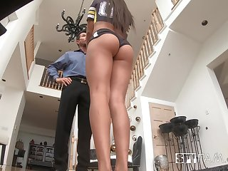 Abounding in breasted stepdaughter Autumn Falls gets betoken wide horny old stepdad