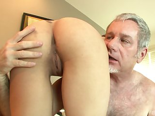 Old vs oung porn with cum in mouth be beneficial to fetching Sadie Holmes