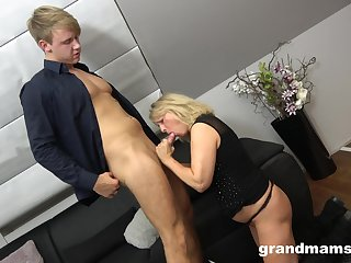 Svelte mature blonde whore fingers added to licks dude's asshole expansively
