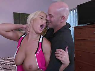A Trip With Raunchy Mummy - hot sex video