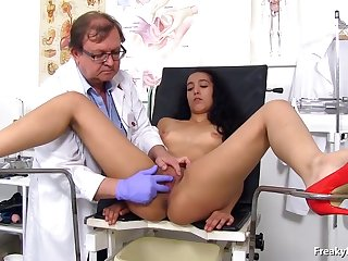 Latin brunette had an exciting experience in the asylum while spreading hands for a gynecologist
