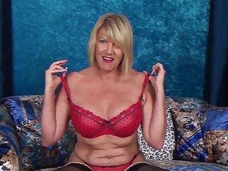 Video of naughty mature Amy Goodhead having some alone fun