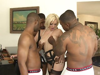 Tight dame arse fucked nearby a crazy gangbang as home