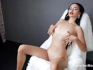 SuperbeModels: Loves Debut More Jess Leon on PornHD