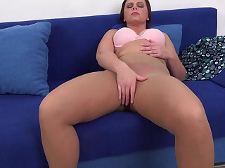 Amateur brunette MILF Serena K. blows and rides cock on rub-down the phrase